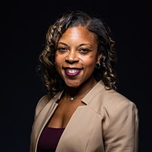 Portrait Photo of Shawna Cooper-Gibson